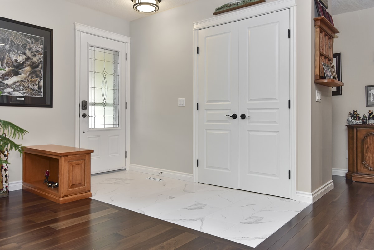https://artisankitchens.ca/wp-content/uploads/2018/04/Artisan-Home-Renovations_1-19.jpg
