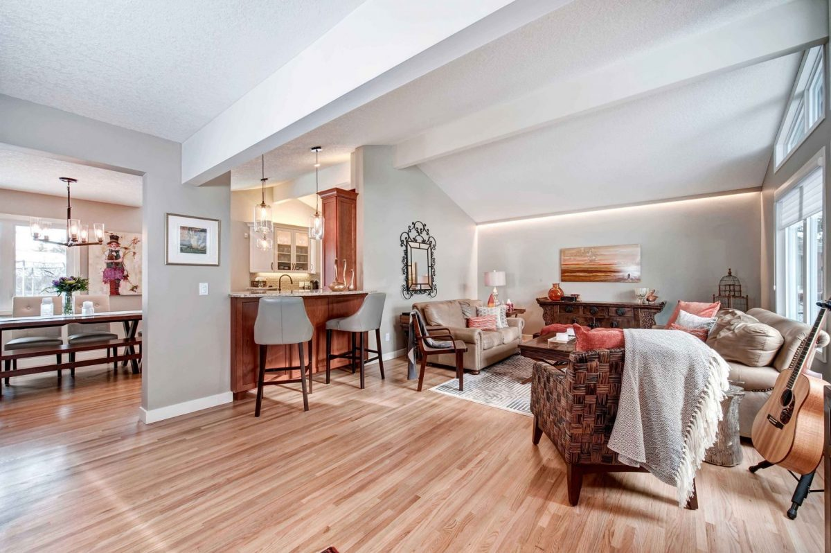 https://artisankitchens.ca/wp-content/uploads/2018/04/Artisan-Home-Renovations_1-3.jpg