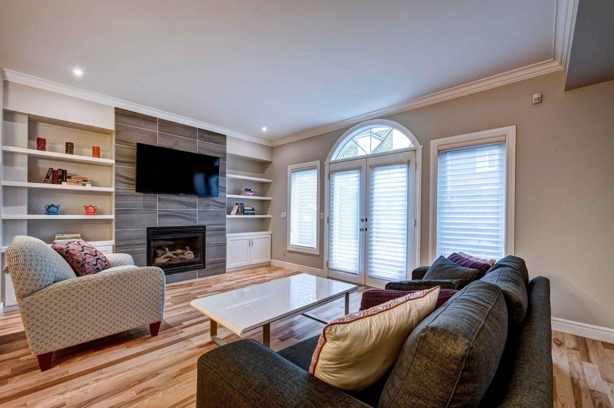https://artisankitchens.ca/wp-content/uploads/2018/04/Artisan-Home-Renovations_1-4.jpg