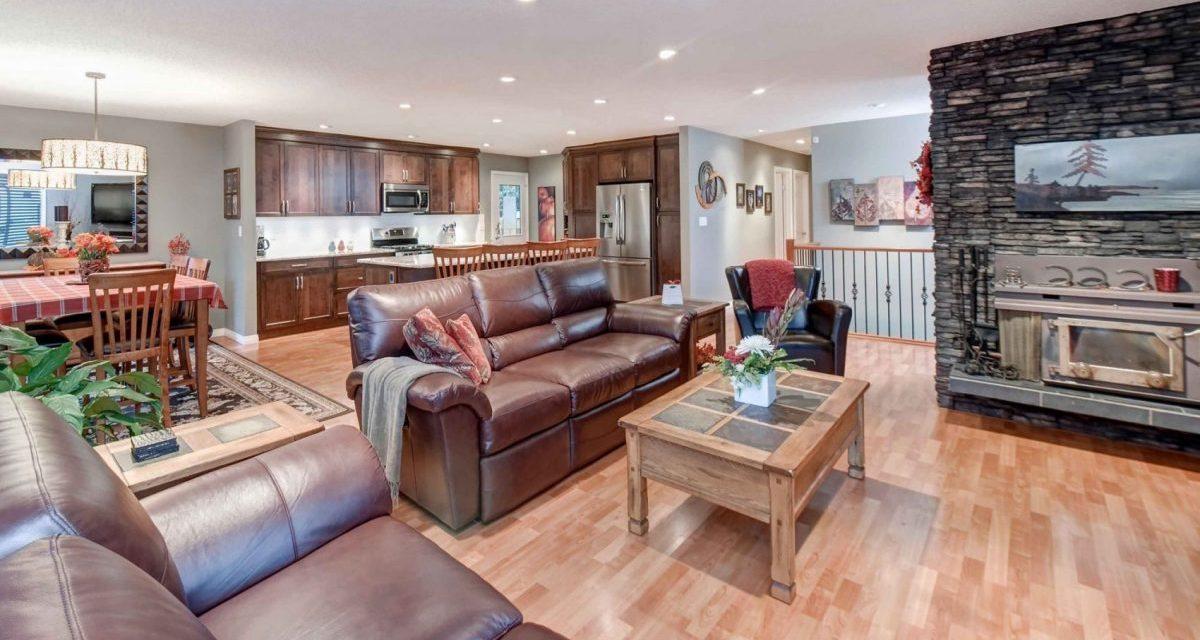 https://artisankitchens.ca/wp-content/uploads/2018/04/Artisan-Home-Renovations_1-7-1200x640.jpg