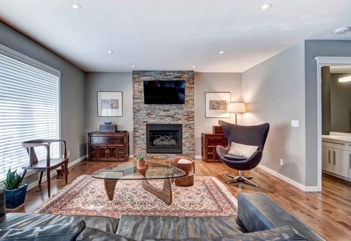 http://artisankitchens.ca/wp-content/uploads/2018/04/Artisan-Home-Renovations_2.jpg