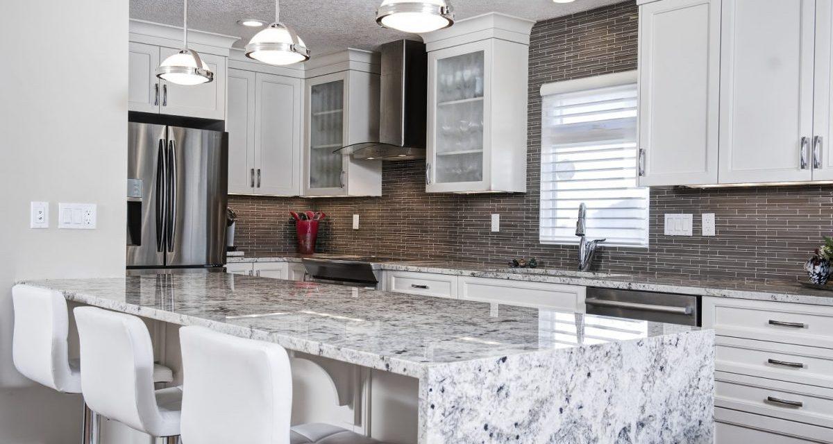 https://artisankitchens.ca/wp-content/uploads/2018/04/Artisan-Kitchen-Renovations_18-1200x640.jpg