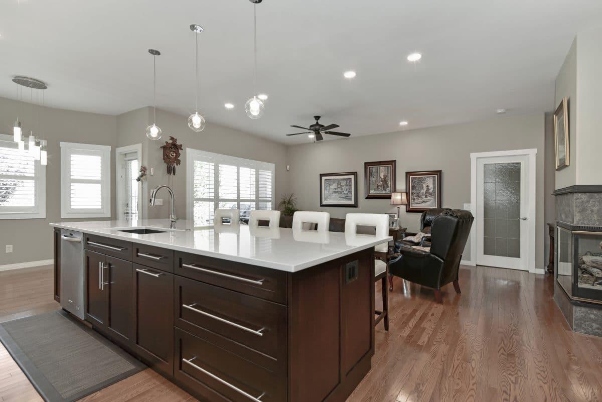 https://artisankitchens.ca/wp-content/uploads/2018/04/Artisan-Kitchen-Renovations_22.jpg