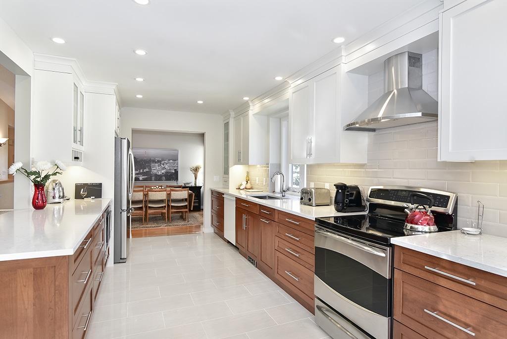 https://artisankitchens.ca/wp-content/uploads/2018/04/Artisan-Kitchen-Renovations_26.jpg