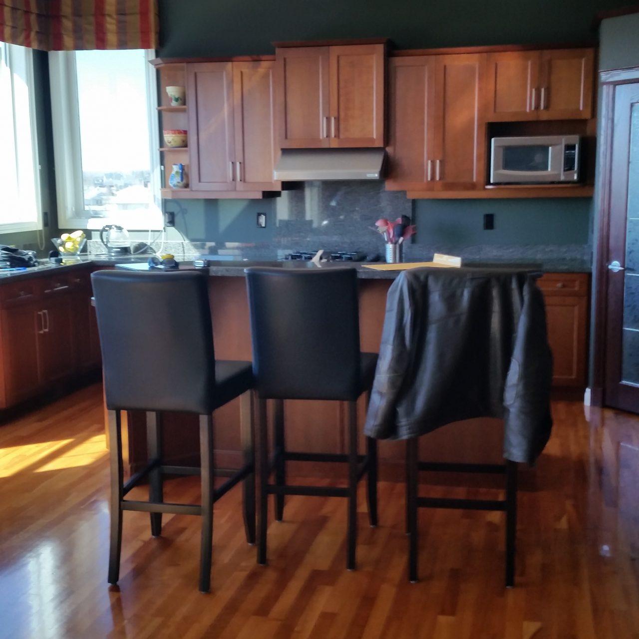 https://artisankitchens.ca/wp-content/uploads/2018/10/Artisan-Kitchen_before-1280x1280.jpg
