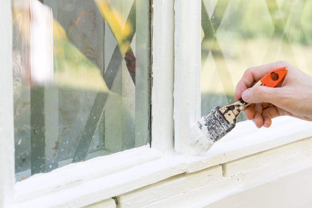 Painting an exterior window's molding